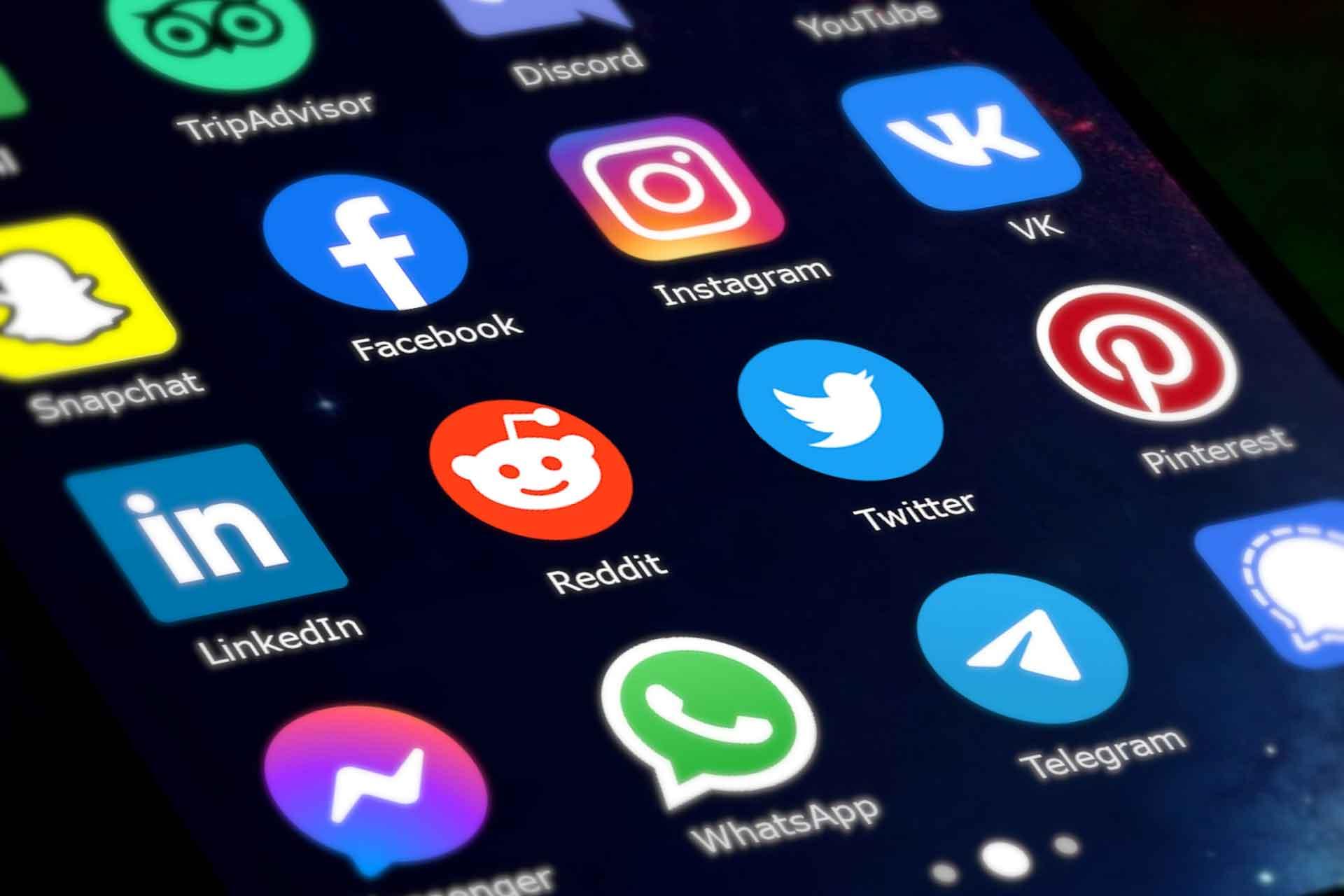 LV-DESIGN-REALIZZAZIONE-SITI-WEB-BOLOGNA-SOCIAL-MEDIA-MARKETING